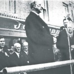 President Éamon de Valera unveils a plaque at the home of Major John MacBride, Westport 1966